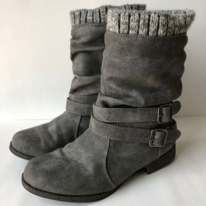 JustFab Morlan Boots in Gray